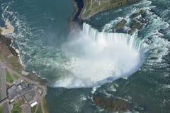 Antennskott av hästskofalls- Niagara Falls Ontario arkivfoton