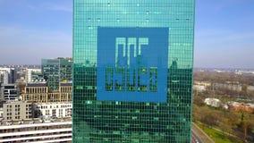 Antennskott av kontorsskyskrapan med logo för korporation för teknik för Kina statkonstruktion byggande modernt kontor Royaltyfri Foto
