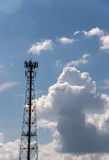 Antenntorn av kommunikationen Arkivbild