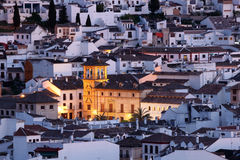 Antequera på skymning. Spanien Royaltyfria Bilder
