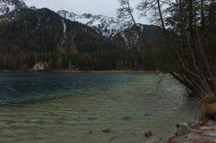 Anterselva& x27; s piękny jezioro podczas springera Zdjęcie Stock