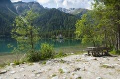Anterselva sjö på den sena våren Arkivbild
