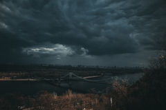Antes de la tormenta Imagen de archivo
