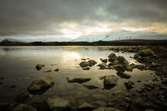 Antes de sunsire en los lugares del paraíso en Nueva Zelanda del sur/el lago Tekapo/iglesia del buen pastor Foto de archivo