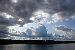 Antes de um thunder-storm Fotos de Stock Royalty Free