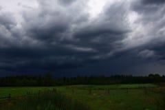Antes de una tempestad de truenos Foto de archivo libre de regalías