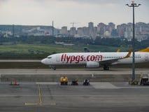 ANTHALYA, ΤΟΥΡΚΙΑ, 7.2017 ΙΟΥΛΙΟΥ τουρκικό αεροπλάνο στον αερολιμένα της Ιστανμπούλ στοκ εικόνες