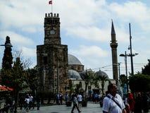 ANTHALYA, TURKIJE, 7,2017 JULI Turks stadshoogtepunt van mensen royalty-vrije stock afbeeldingen