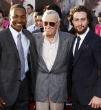 Anthony Mackie, Stan Lee y Aaron Taylor-Johnson Foto de archivo libre de regalías