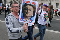 Anti-Отрежьте протестующие на ралли Лондон Стоковые Изображения RF