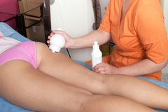 Anti-cellulite massage Royaltyfri Foto