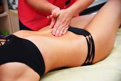 Anti-Cellulitehandmassage lizenzfreies stockfoto