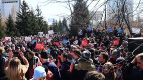 The anti corruption rally in the Park in Russia of the Novosibirsk academic youth theatre `Globus` stock video