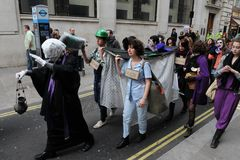 Anti-Cortam o protesto em Londres Foto de Stock