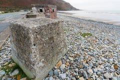 Anti cubes en réservoir, les défenses en pierre d'invasion de la deuxième guerre mondiale Images stock