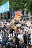 Anti-Donald Trump Protesters in zentralem London stockfotos