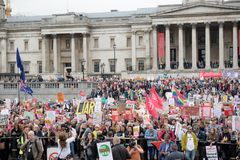Anti-Donald Trump Protesters in zentralem London lizenzfreies stockfoto