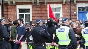 Anti-Facist-Protest in zentralem London stock video