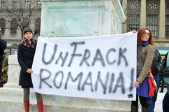 Anti-Fracking demonstration och mot Rosia Montana Gold Corporation Arkivfoton