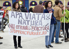 Anti-Fracking-Demonstration und gegen Rosia Mont Lizenzfreies Stockfoto