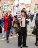 Anti-Fracking março - Malton - Ryedale - Yortkshire norte - Reino Unido Imagem de Stock