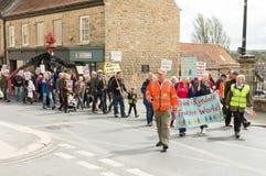 Anti-Fracking mars - Malton - Ryedale - Yortkshire du nord - le R-U Photos stock