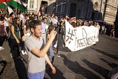 Anti-israelischer Protest, zum von Gaza-Militärschlag zu beenden Stockfotos