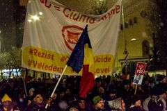 Anti--korruption protest i Bucharest royaltyfri bild