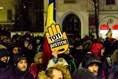 Anti--korruption protest i Bucharest royaltyfria bilder
