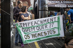 Anti--korruption protest i Sao Paulo, Brasilien arkivbild