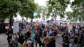 Anti marcha de protesto do trunfo - Londres vídeos de arquivo
