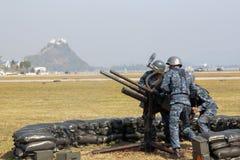 Anti mitrailleuse lourde d'incendie d'aéronefs Images libres de droits