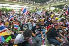 Anti - protesto do governo contra Yingluck Shinnawatragovernment. imagem de stock