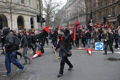Anti-Tagliano la protesta a Londra Fotografie Stock Libere da Diritti