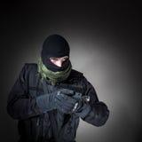 Anti--terrorist enhetspolis under beskickning Arkivfoto