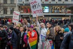 Anti--trumf dag och marsch för kvinna` s Arkivbilder