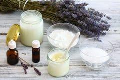 Antibacterial och naturlig hemlagad deodorant Arkivfoton
