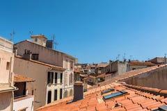 Antibes dachu stary grodzki widok i linia horyzontu Obrazy Royalty Free