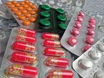 Antibióticos médicos novos, diversidade da aspirina. Fotos de Stock Royalty Free