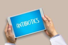 ANTIBIOTIQUES et antibiotiques - drogue imprimée de thérapie de mélange de diagnostic photo stock