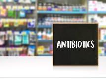 ANTIBIOTIQUES et antibiotiques - drogue imprimée de thérapie de mélange de diagnostic image libre de droits
