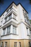 Anticque房子在慕尼黑,巴伐利亚,有蓝天的 免版税库存照片