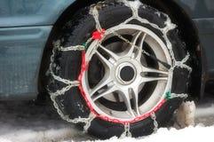 Antideslizante en una rueda del coche Foto de archivo