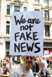 Antidonald trump rally in Centraal Londen stock foto's