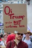Antidonald trump rally in Centraal Londen stock fotografie