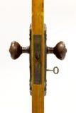 Antiek deur en deurhandvat met binnen loper Royalty-vrije Stock Foto's