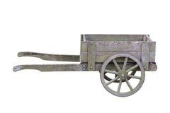 Antiek houten die tuinkarretje op witte achtergrond wordt geïsoleerd Royalty-vrije Stock Fotografie