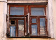 Antiek houten venster Stock Afbeeldingen
