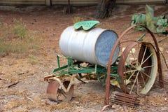 Antiek Irrigatiemateriaal bij Geschiedenis van Irrigatiemuseum, Koning City, Californië Stock Afbeeldingen