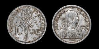 Antiek muntstuk van 10 centimes stock foto's